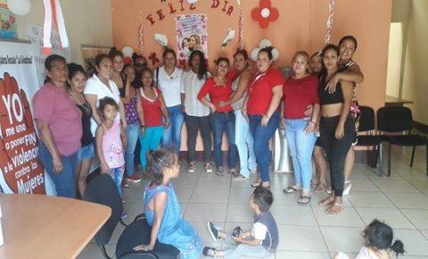 Members of Las Golondrinas